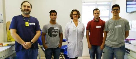 Acadêmicos realizam visita técnica para projetar aplicativo para hemocentros