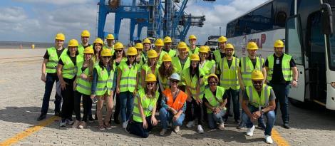 Estudantes dos Cursos Técnicos da IENH realizam visita ao Porto de Rio Grande